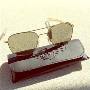 AMERICAN OPTICS AO Original Aviator Sunglasses
